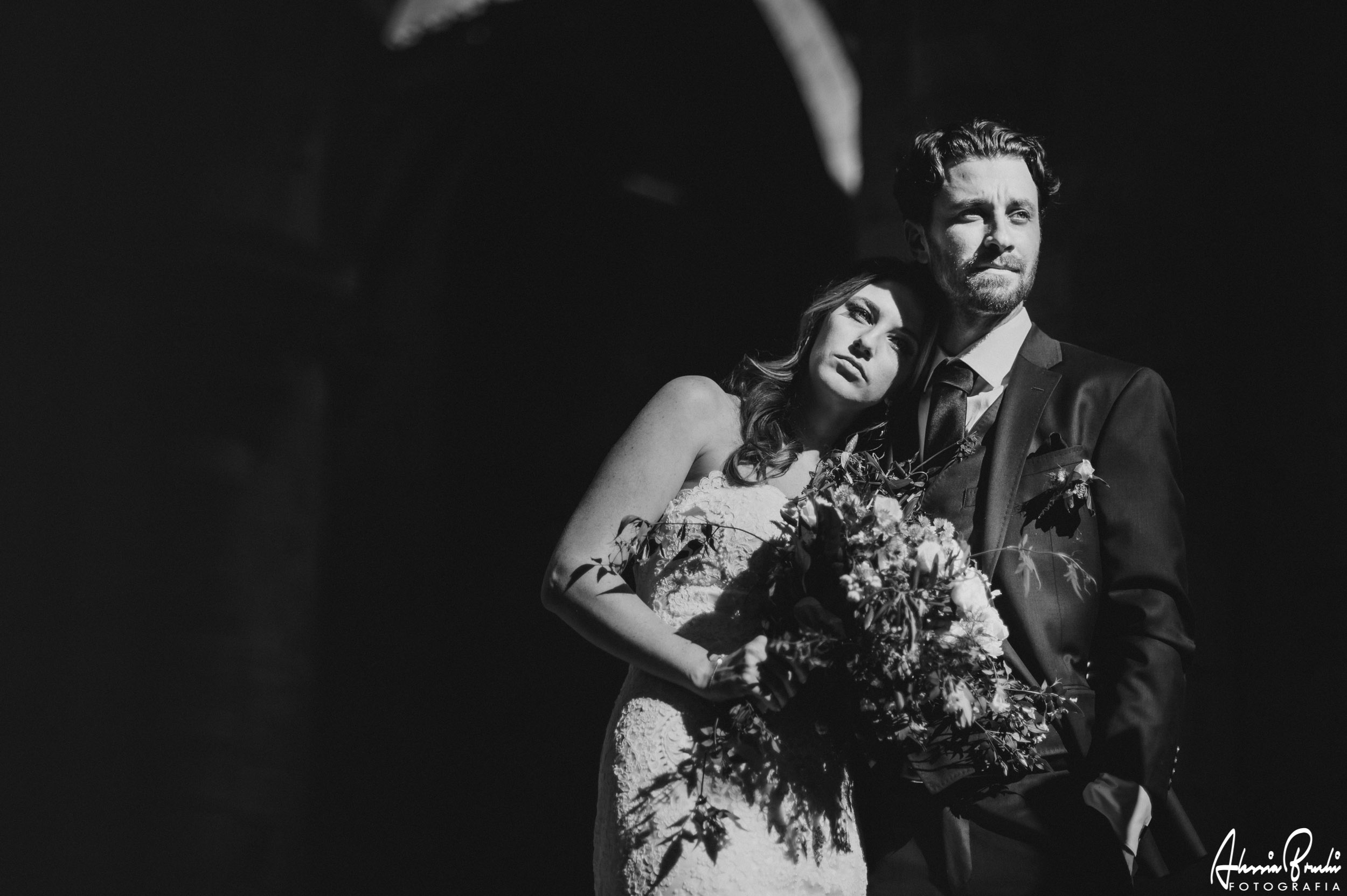 Intimate destination wedding in san galgano, tuscany - alessia bruchi fotografia